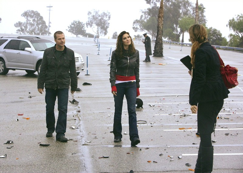 'G' Callen (Chris O'Donnell) e Kensi Blye (Daniela Ruah) in missione nell'episodio Full Throttle di NCIS: Los Angeles