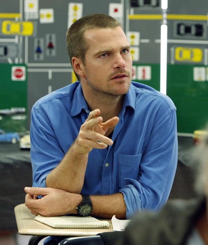 'G' (Chris O'Donnell) impegnato nel suo lavoro, nell'episodio Full Throttle di NCIS: Los Angeles