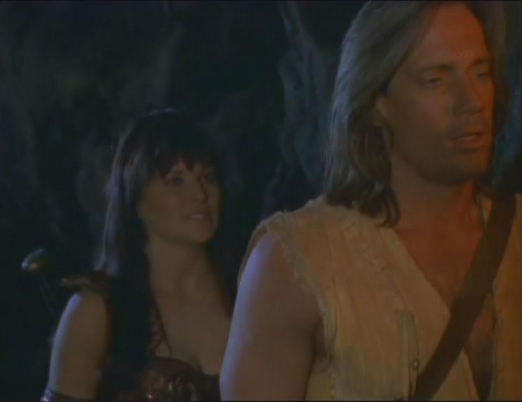 Kevin Sorbo e Lucy Lawless in una scena di Xena nell\'episodio Prometheus