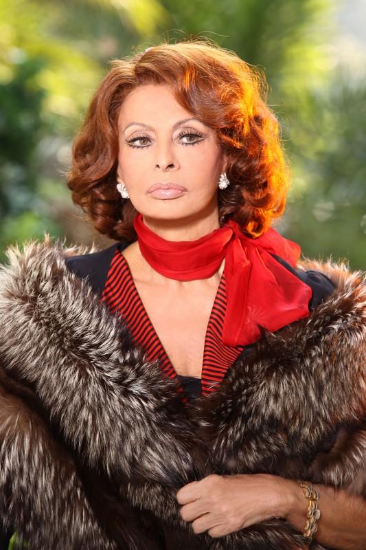 Sophia loren protagonista della miniserie la mia casa piena di specchi 149326 - La mia casa e piena di specchi ...