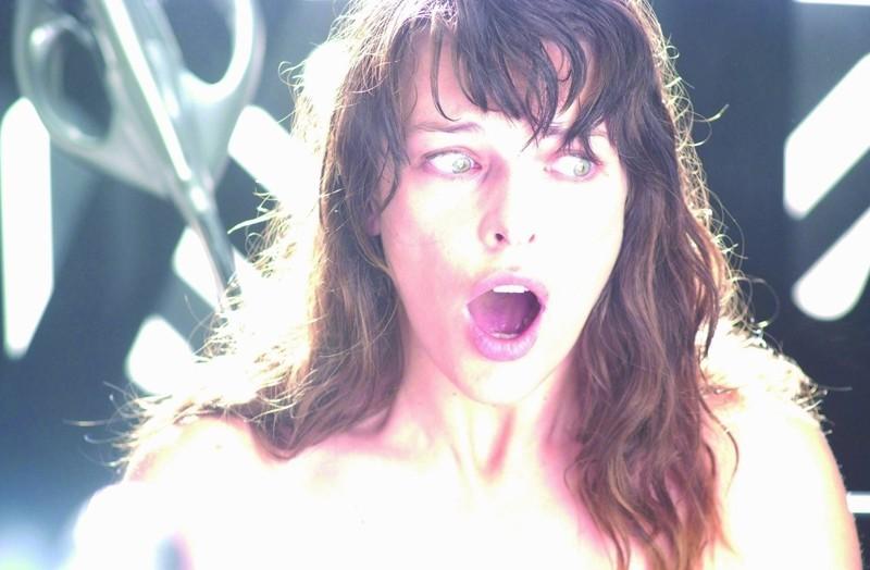 Un'espressione terrorizzata di Milla Jovovich nel thriller The Fourth Kind (2009)
