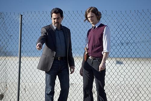 Joe Mantegna e Matthew Gray Gubler nell'episodio Solitary Man di Criminal Minds