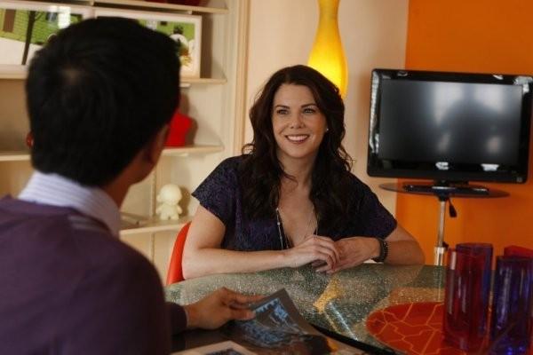 Lauren Graham in una scena dell'episodio Man Versus Possum di Parenthood