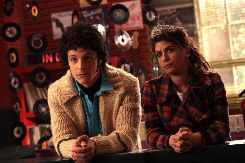 Andrea Bosca e Giulia Michelini in una scena del film Febbre da fieno