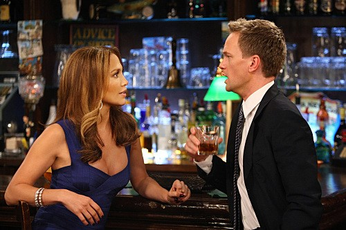 Jennifer Lopez con Neil Patrick Harris nell'episodio Of Course di How I Met Your Mother