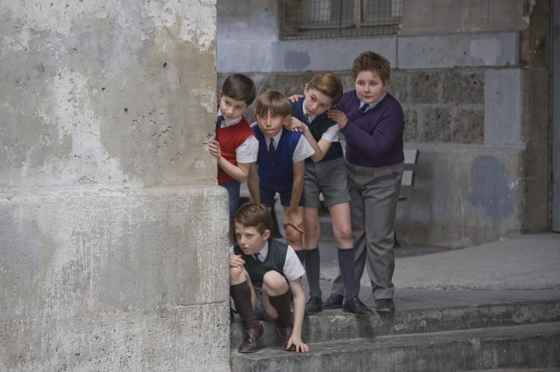 Nicolas (Maxime Godart) e gli amici di classe combinano una marachella nel film Il piccolo Nicolas e i suoi genitori