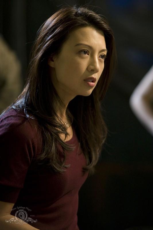 Ming-Na è Camille nell'episodio Giustizia di Stargate Universe