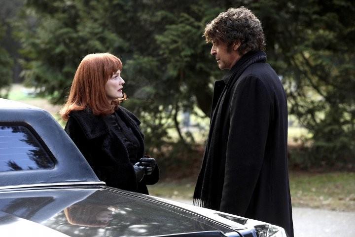 Blair Brown e John Noble nell'episodio Peter di Fringe