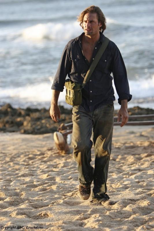 Josh Holloway in un momento dell'episodio Recon di Lost