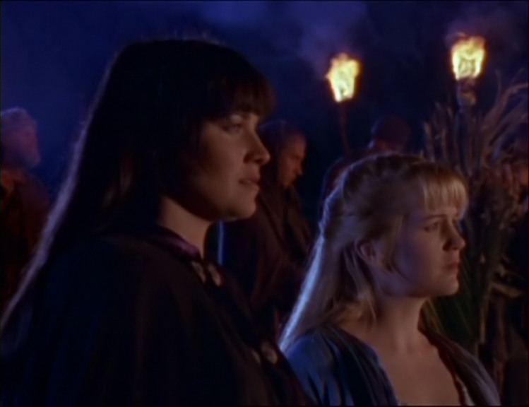 Lucy Lawless e Renee O\'Connor in The Path not taken, episodio di Xena