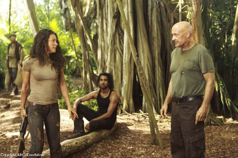 Terry O'Quinn, Evangeline Lilly e Naveen Andrews nell'episodio Recon di Lost
