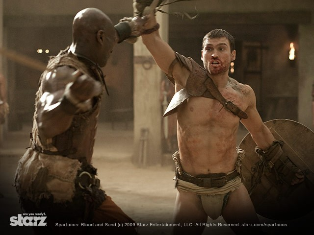 Una scena di lotta dalla serie Spartacus: Blood and Sand