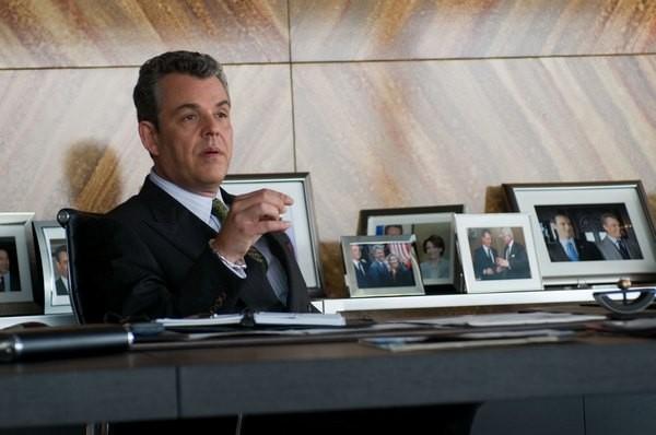 Danny Huston in una scena del film Fuori controllo