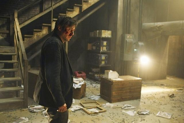 FlashForward: Jack Davenport in una scena dell'episodio Revelation Zero