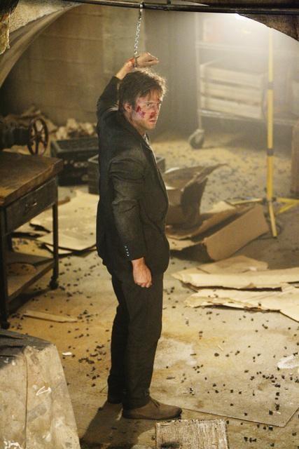 Jack Davenport in un momento dell'episodio Revelation Zero di FlashForward