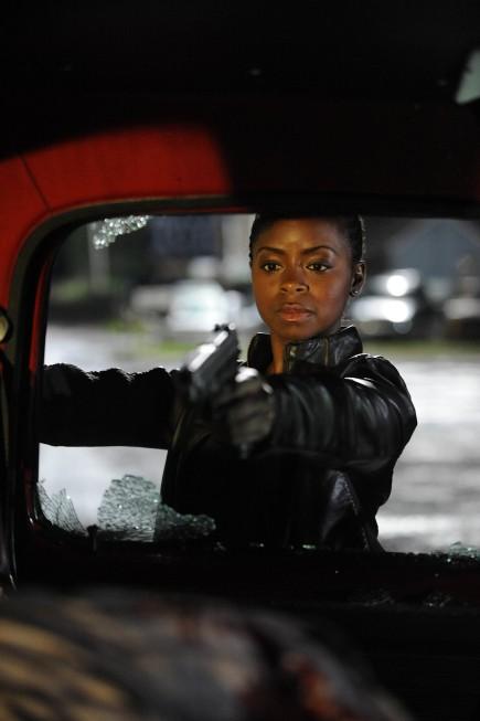 Justified: Erica N. Tazel è Rachel Dupree nella premiere Fire in the Hole