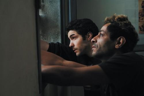 Tahar Rahim e Hichem Yacoubi in una scena del film Il profeta
