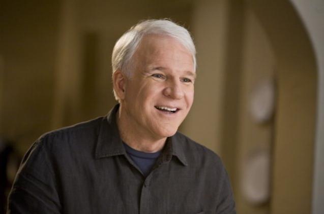 Un sorridente Steve Martin nel film E' complicato