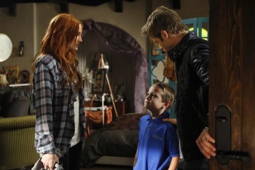 Ashlee Simpson-Wentz, Cameron Castaneda e Shaun Sipos nell'episodio San Vicente di Melrose Place