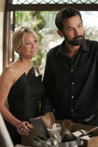 Heather Locklear e Billy Campbell in un momento dell'episodio Oriole di Melrose Place