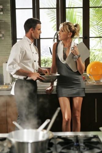 Katie Cassidy e Colin Egglesfield nell'episodio Oriole di Melrose Place