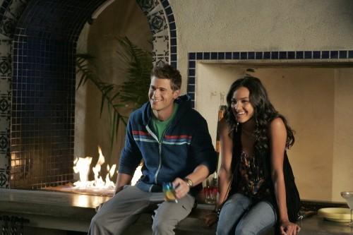 Melrose Place: Jessica Lucas e Nick Zano nell'episodio Stoner Canyon