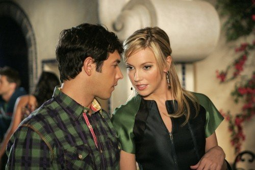 Melrose Place: Michael Rady e Katie Cassidy nell'episodio Stoner Canyon