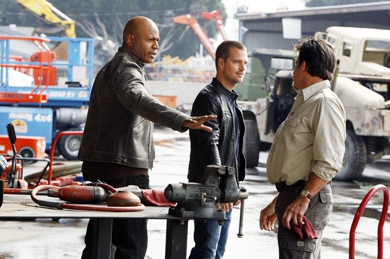 Sam (LL Cool J) e G (O'Donnell) durante le indagini nell'episodio Blood Brothers di NCIS: Los Angeles
