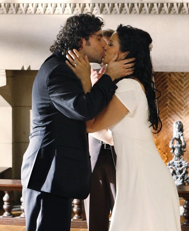 Il bacio degli sposi nell'episodio Cause and Effect di Numb3rs