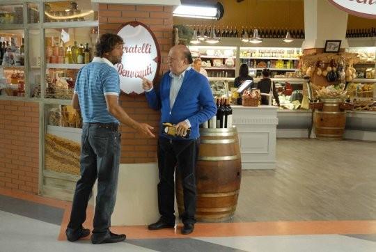 Massimo Boldi e Massimo Ciavarro in una scena della fiction Fratelli Benvenuti