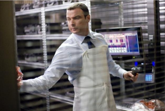 Liev Schreiber in un'immagine del film Repo Men