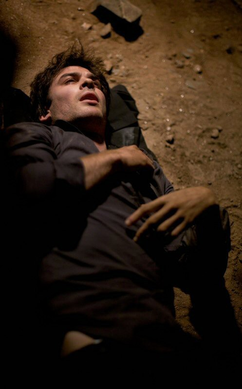 Damon (Ian Somerhalder) ridotto piuttosto male, nell'episodio L'ora della verità di Vampire Diaries