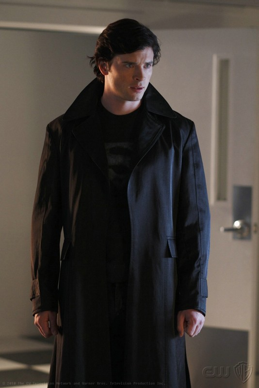 The blur (Tom Welling) in una scena dell'episodio Checkmate di Smallville