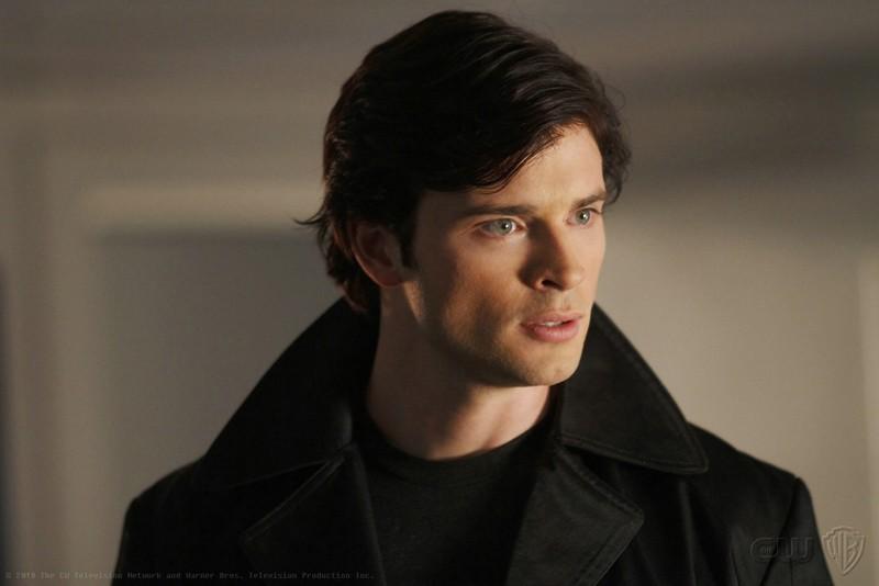 Un primo piano di Clark (Tom Welling) nell'episodio Checkmate di Smallville