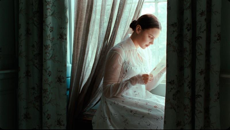 Abbie Cornish in un'immagine del film Bright Star