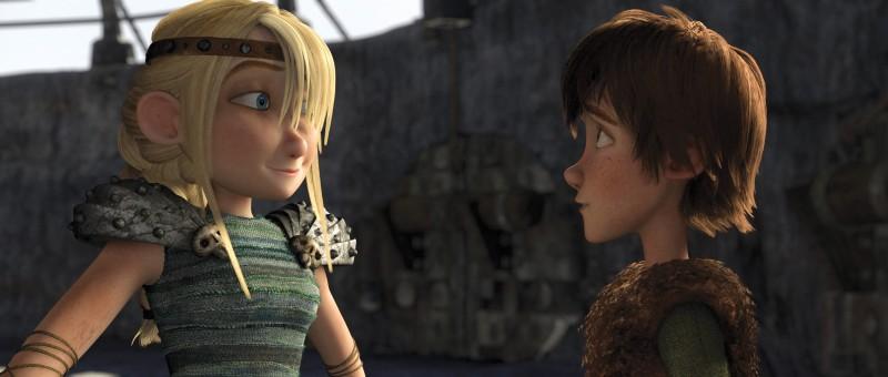 Astrid e Hiccup insieme in una scena di Dragon Trainer