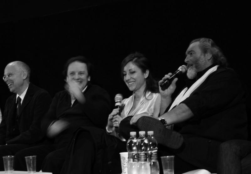 Carla Signoris tra Salvatores e Abatantuono durante la conferenza stampa di Happy Family. (foto di M. Paguni)