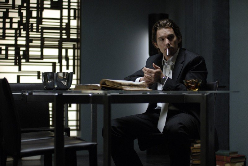 Ethan Hawke in un'immagine del film Daybreakers