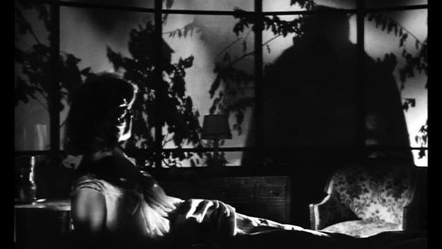 Letícia Román in una scena del thriller La ragazza che sapeva troppo (M.Bava)