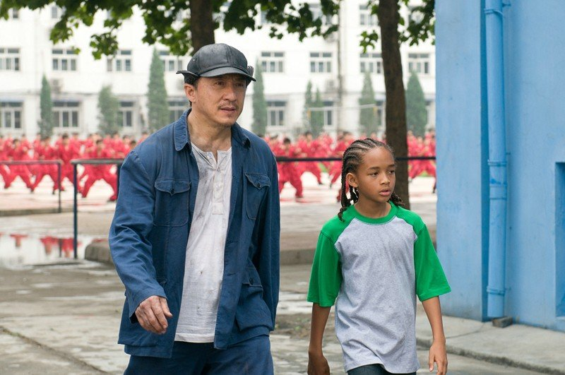 Una scena del film Karate Kid con  Mr. Han (Jackie Chan) e Dre (Jaden Smith)