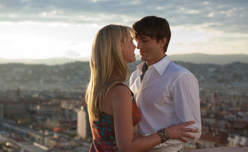 Una scena romantica per la coppia protagonista (Katherine Heigl e Ashton Kutcher) del film Killers