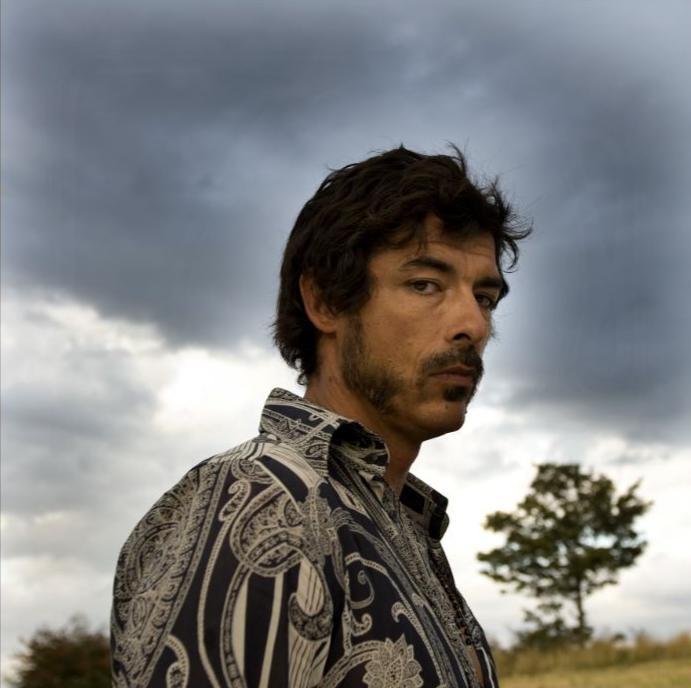 Alessandro Gassman in un'immagine dal film Basilicata Coast to Coast