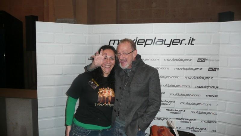 Fantasy Horror Award 2010: Robert Englund posa simpaticamente con l'intervistatrice, Luciana Morelli