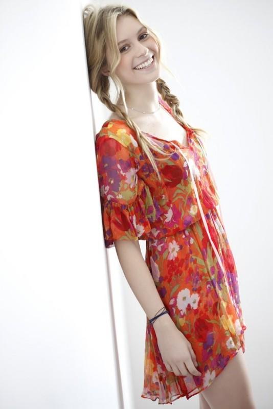 Una sorridente Cecilia Albertini, cantante e attrice