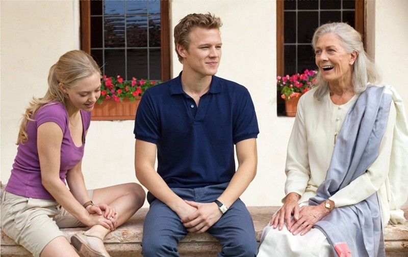 Christopher Egan, Amanda Seyfried e Vanessa Redgrave in una sequenza del film Letters to Juliet