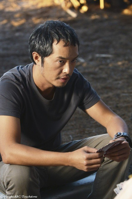 Ken Leung in una scena dell'episodio The Package di Lost