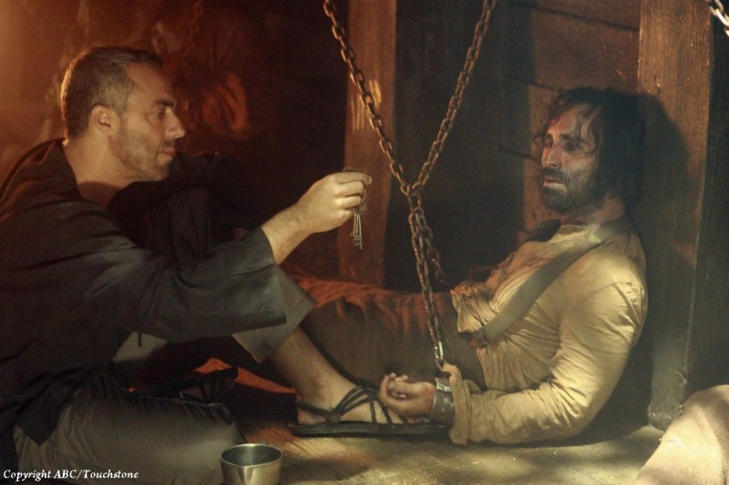 Lost: Titus Welliver e Nestor Carbonell in una scena dell'episodio Ab Aeterno