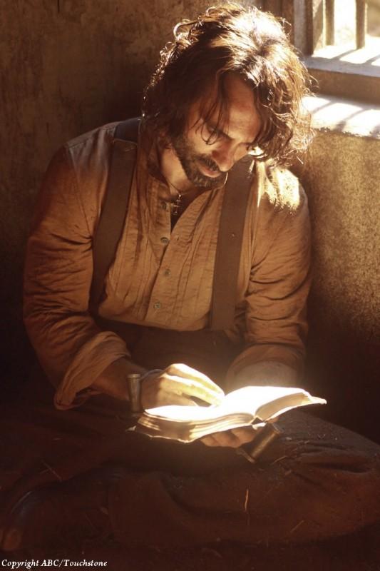 Nestor Carbonell nel flashback dell'episodio Ab Aeterno di Lost