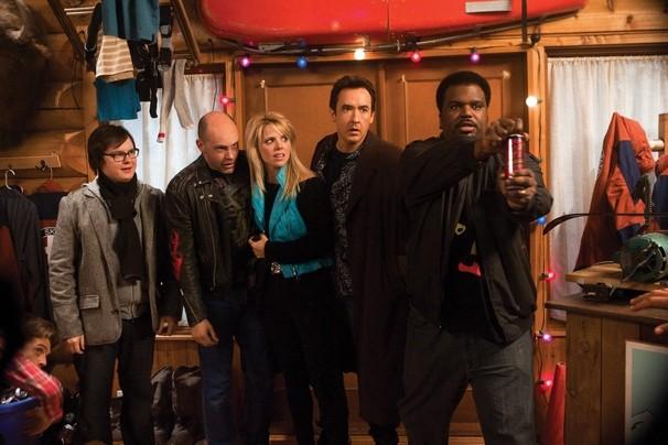 Clark Duke, Rob Corddry, Collette Wolfe, John Cusack e Craig Robinson in una scena di Hot Tub Time Machine