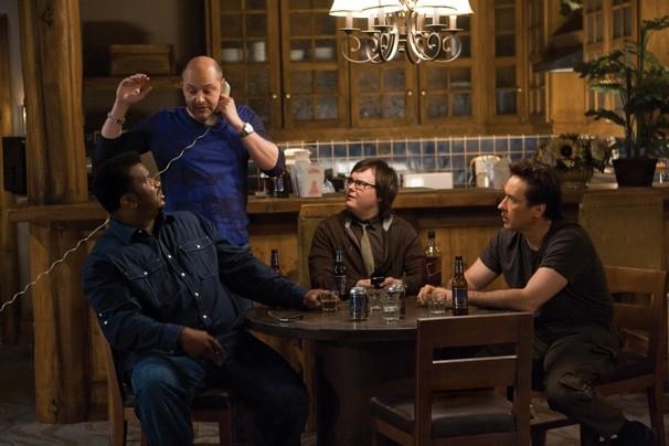Craig Robinson, Rob Corddry, Clark Duke e John Cusack in una scena di Hot Tub Time Machine